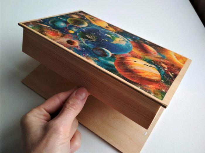 krabička vesmír